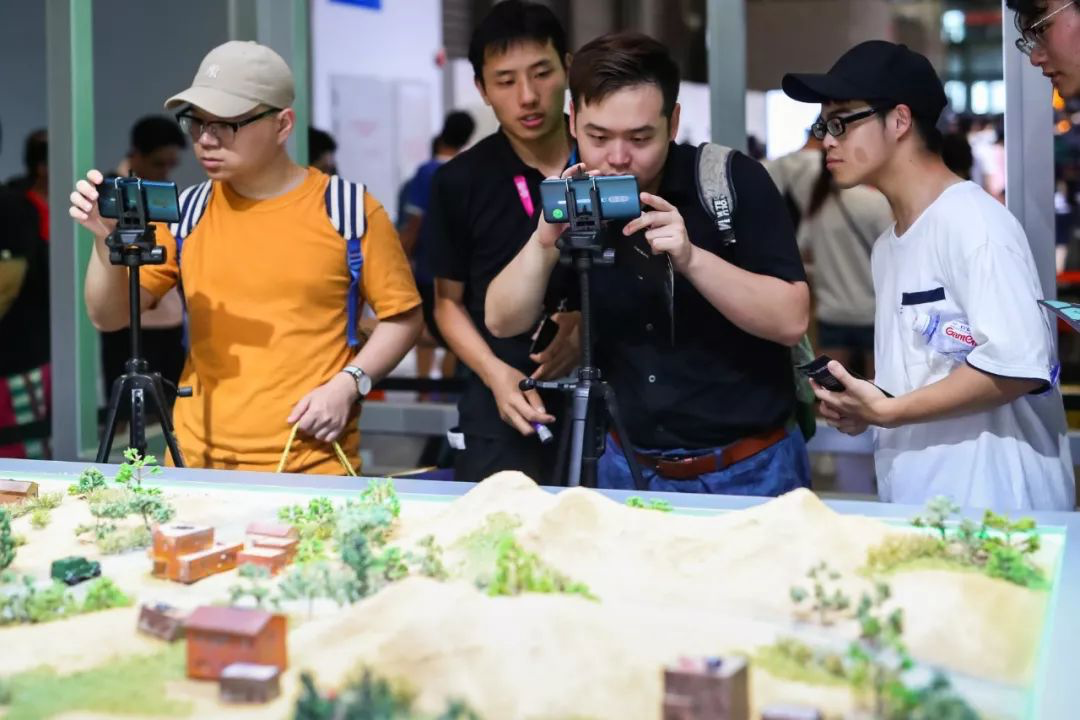 "OPPO Unveils ""Game Color Plus"" and ""Dual Wi-Fi ""at Chinajoy to Optimize Gaming Experiences"
