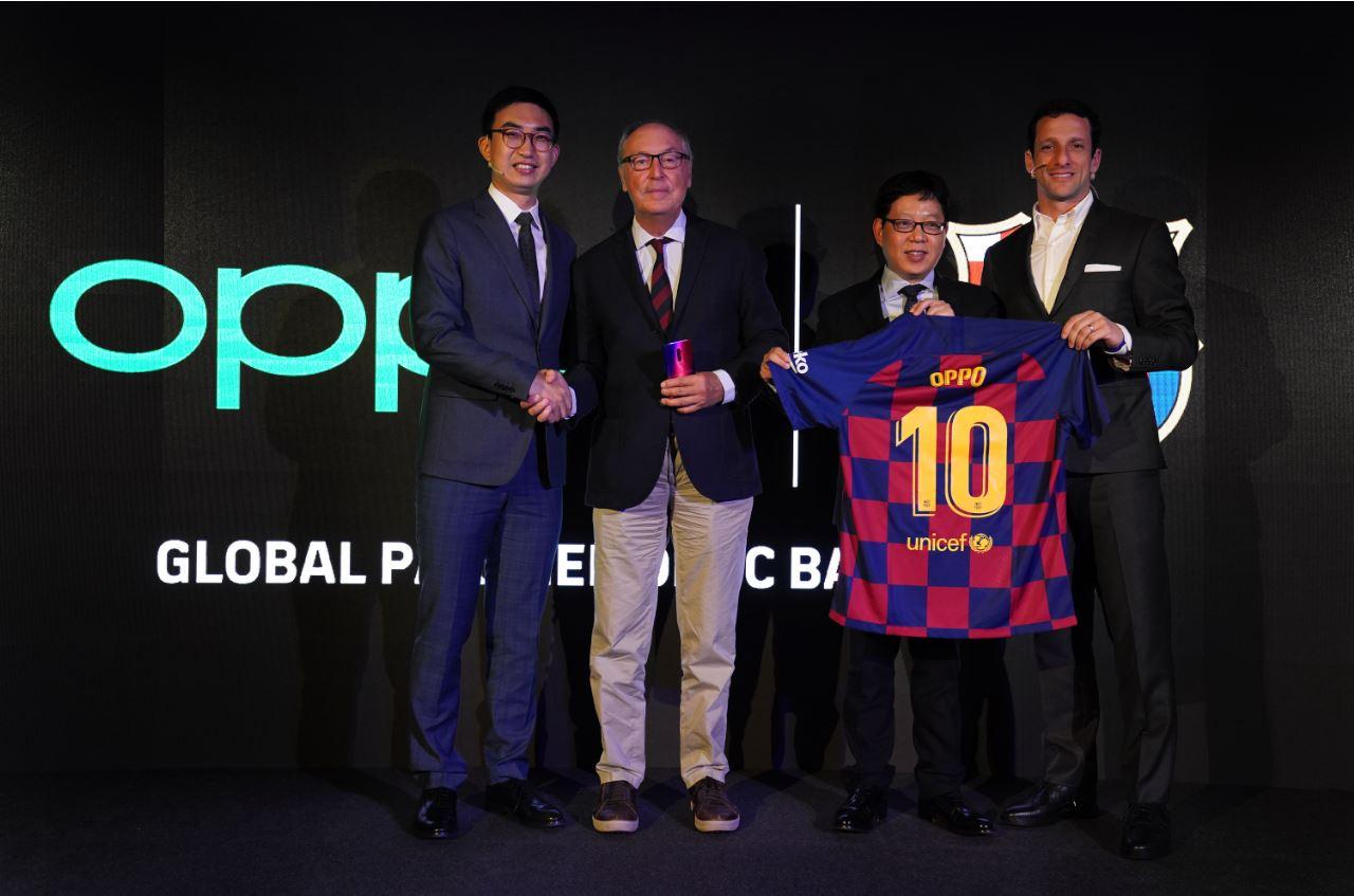 OPPO et le FC Barcelone renouvellent leur partenariat et lancent un smartphone en édition limitée aux couleurs du club