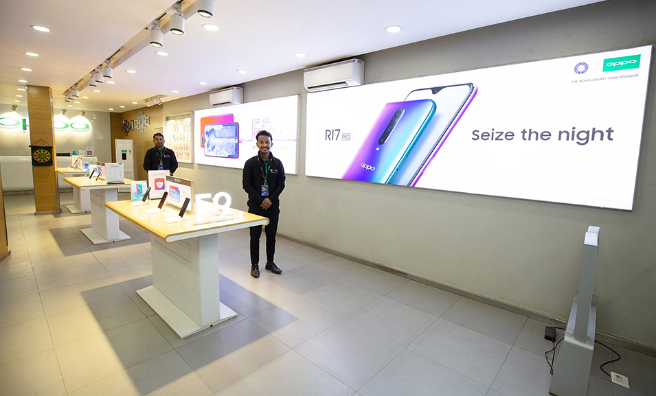 OPPO strengthens its offline presence by benchmarking retail stores