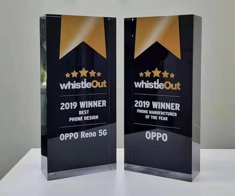 OPPO завоевала 2 премии WhistleOut Awards-2019 и представила экран-водопад.