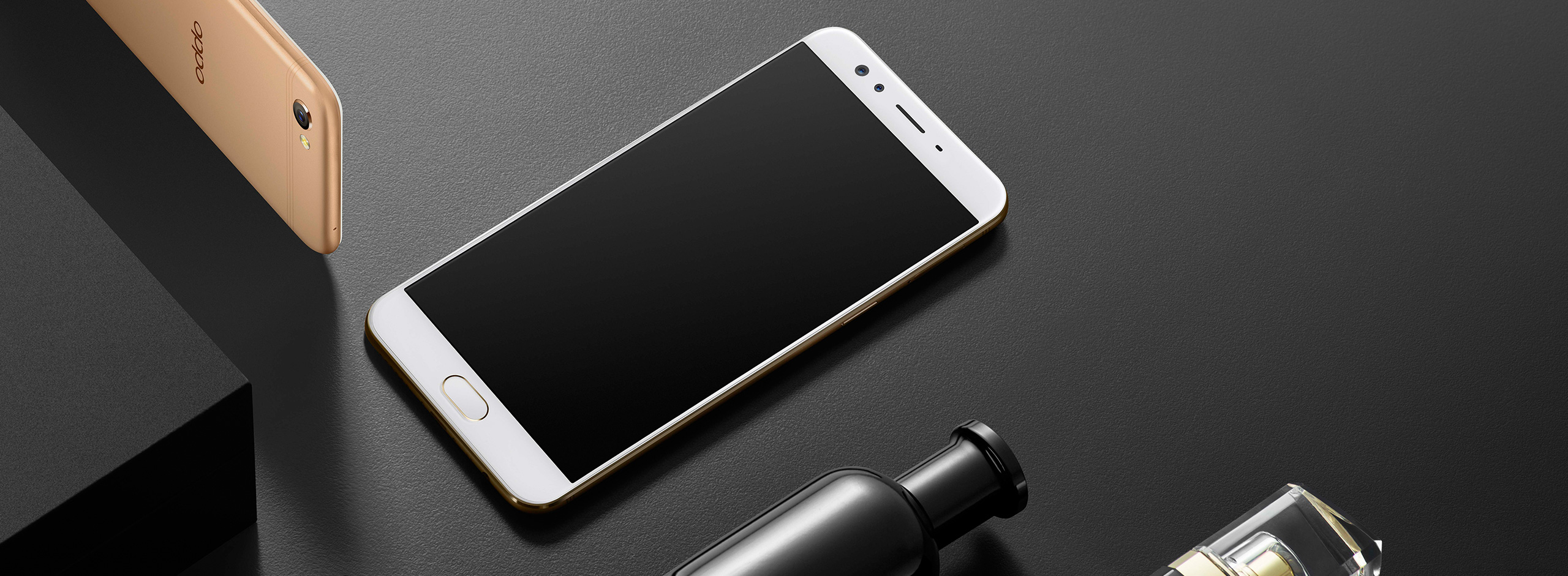 Oppo F3 Plus es with a 6 00 inch touchscreen display with a resolution of 1080 pixels by 1920 pixels The Oppo F3 Plus is powered by 1 95GHz octa core